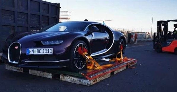 Apparently this Bugatti Chiron landed at Cape Town today too... Quite the spec  - if anyone has more pics or vids please send to us... #ExoticSpotSA #Zero2Turbo #SouthAfrica #Bugatti #Chiron #bugattichiron