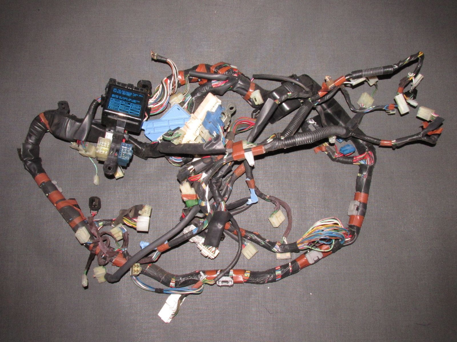 hight resolution of 85 86 87 88 89 toyota mr2 oem interior fuse box dash wiring harness