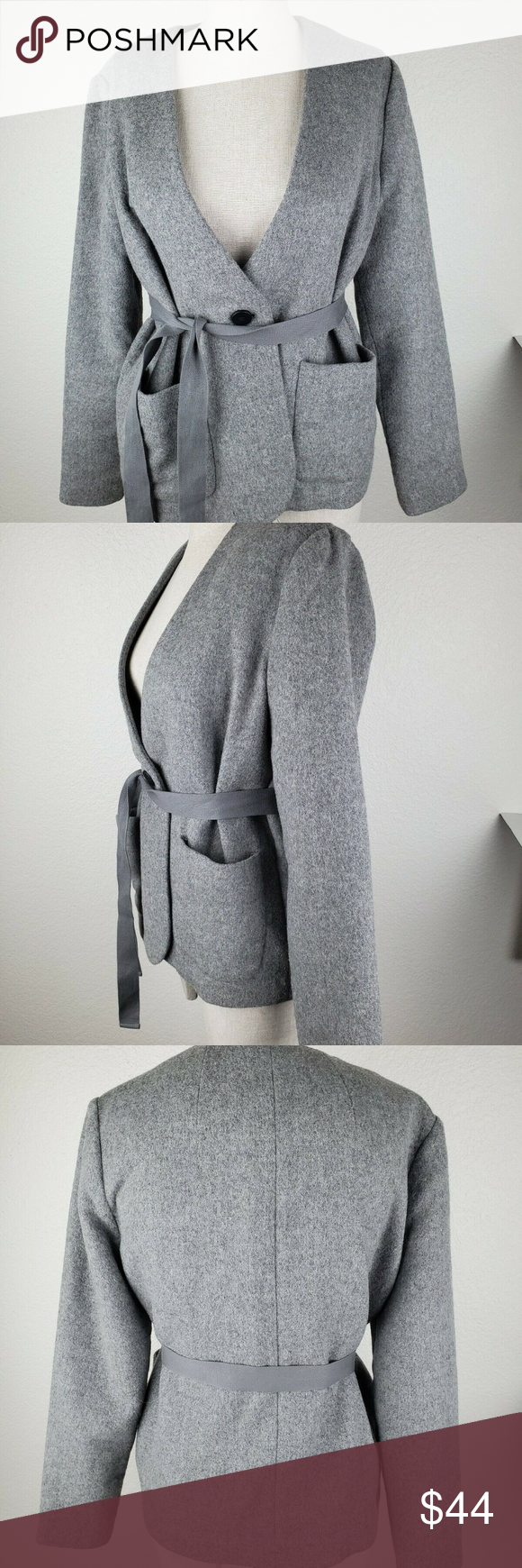 Madewell Carrington Blazer Gray top Size S G0161 For your consideration is a Women's wool blend blazer jacket  Brand: Madewell  Condition: New without tags  Style: Wool blend jacket  Color: Grey  Size: Small            Pit to Pit:  19