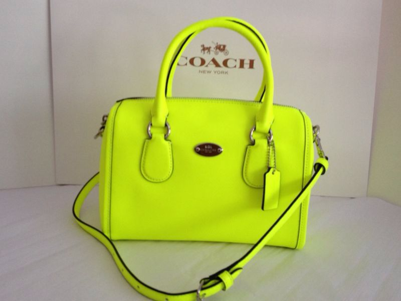 Neon yellow coach purse...perfect for summer !!!  3094fcbe12062