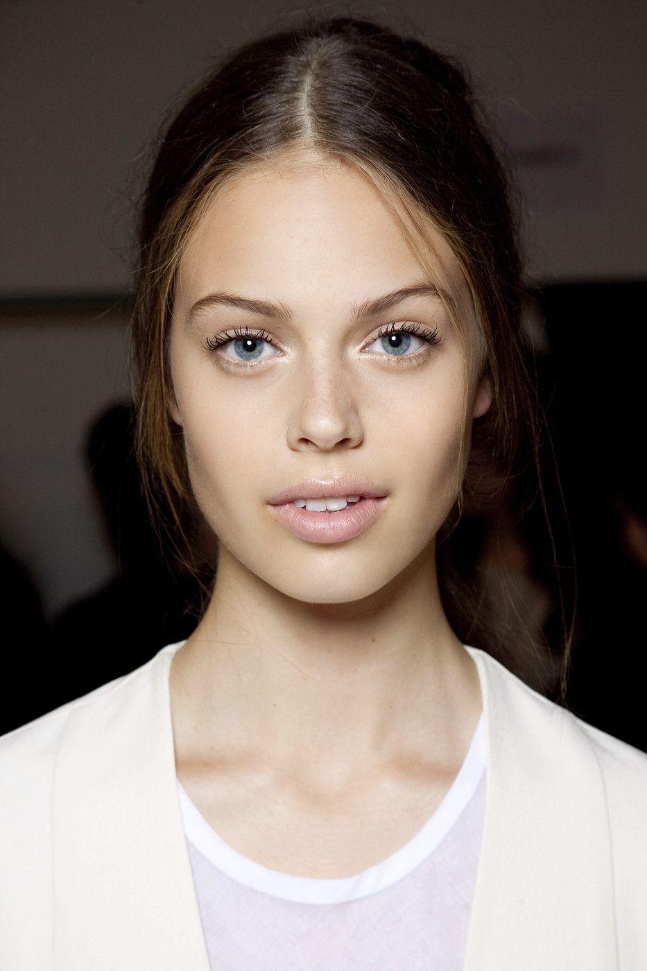 jessica clarke Victoria secret model Makeup and hair