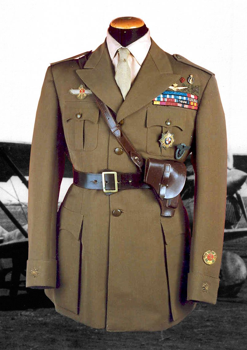 Spanish style airforce uniform worn by Italian volunteer