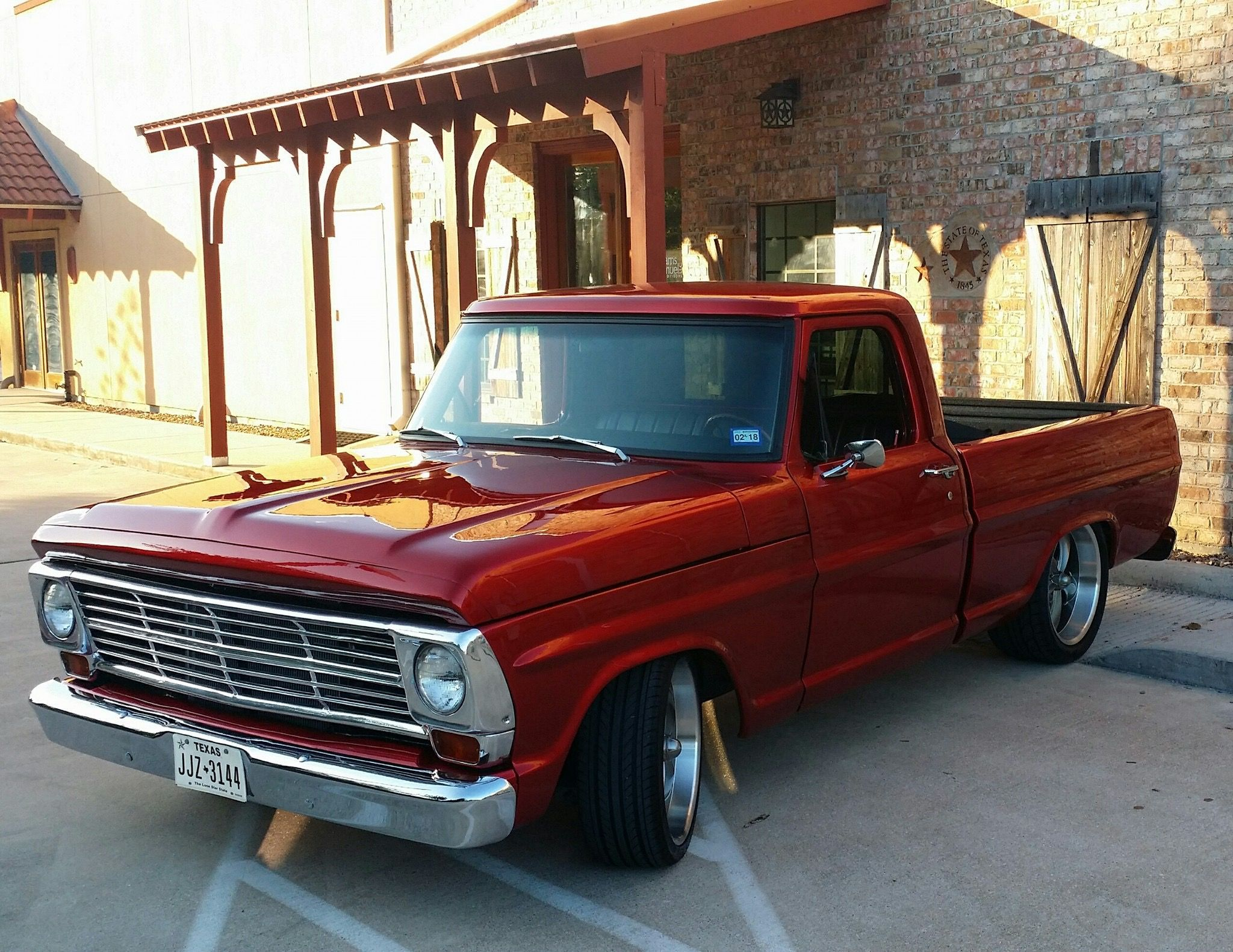 Seriously I Absolutely Love This Colouring Scheme For This Keyword 1992f150 Ford Trucks Classic Cars Trucks Old Ford Trucks