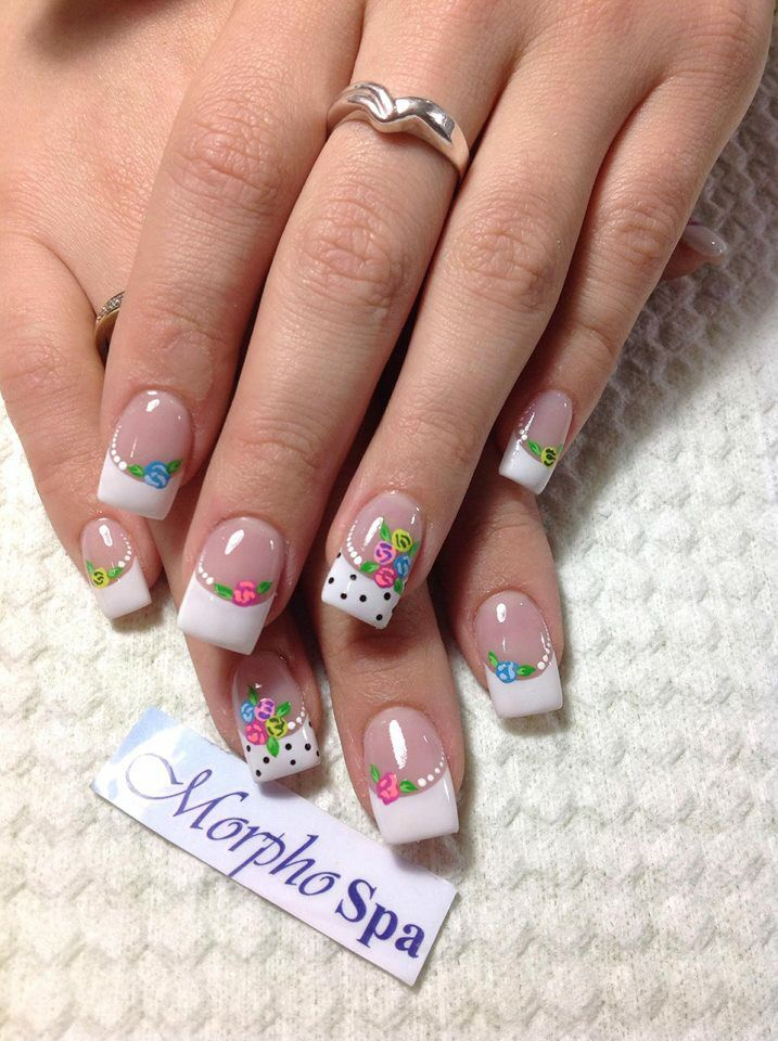 Blanco y flores | Uñas | Pinterest | Flower nail art, Flower nails ...
