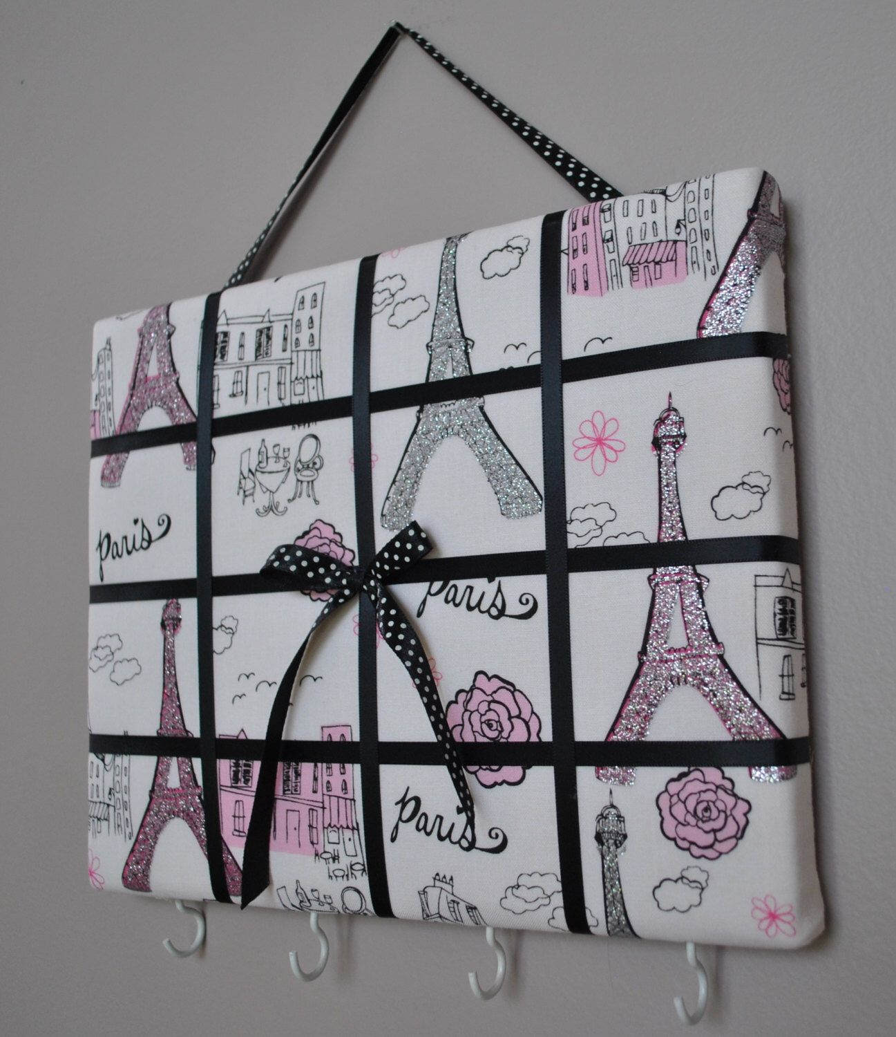 The Ultimate Decor for a Paris Themed Bedroom … | Amberise idea ...
