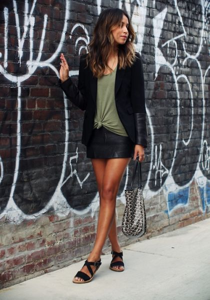 30 Outfits That'll Make You Want a Black Leather Skirt | 30 ...