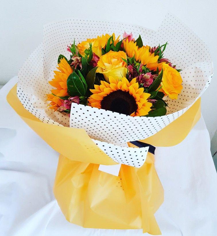 Ramo De Girasoles Y Rosas Amarillas Con Imagenes Girasoles Y