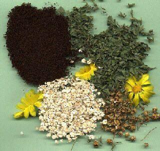 Kräuter, Haferflocken und Blüten