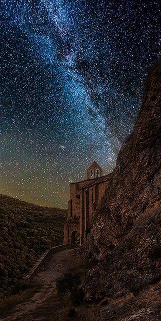 ~~Peña. Navarra ~ a starry night in Spain by martin zalba~~ http://www.flickr.com/photos/martinzalba/10461097044/?utm_content=buffer173c4&utm_medium=social&utm_source=pinterest.com&utm_campaign=buffer #MediumMaria