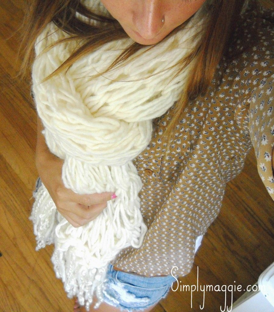 How to - Arm Knit a Fringe Scarf in 30 Minutes   simplymaggie.com. I ...