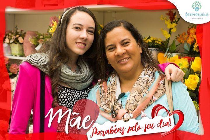 Nossas queridas amigas e clientes com seus filhos na nossa festa de dia das mães - Formosinha Decorações