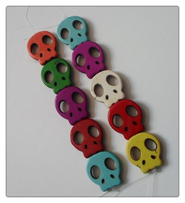 5 x Dyed Turquoise Beads - 21mm - Flat Skull - Mixed Colour