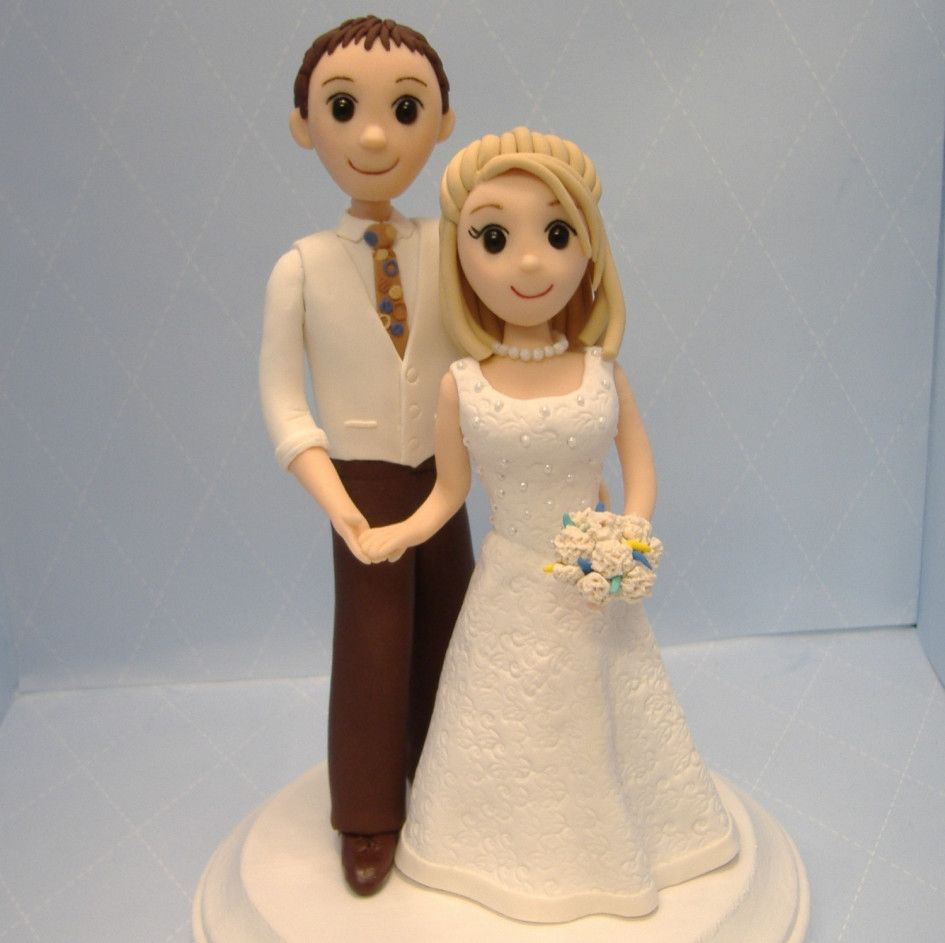 Wedding Cakes Ideas Beautiful Cake Topper Bride And Groom Figurines Combined With Lovely White
