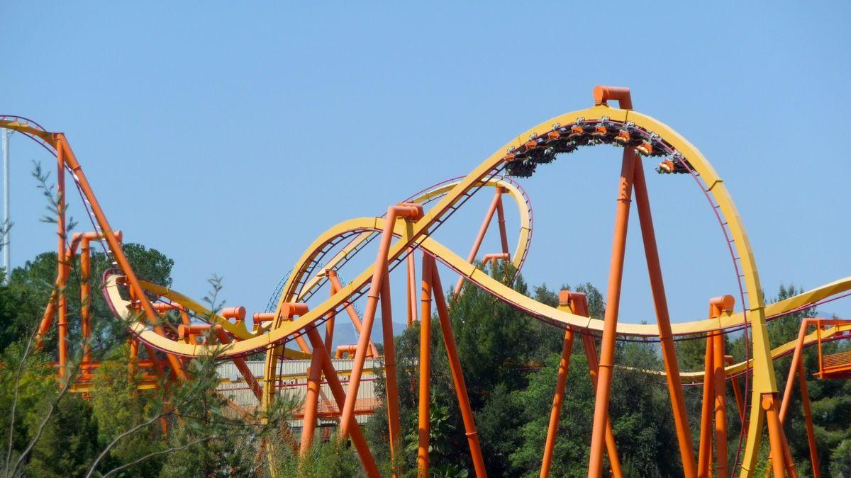 Scream Floorless Coaster Six Flags Magic Mountain Los Angeles California Roller Coaster Six Flags Riding