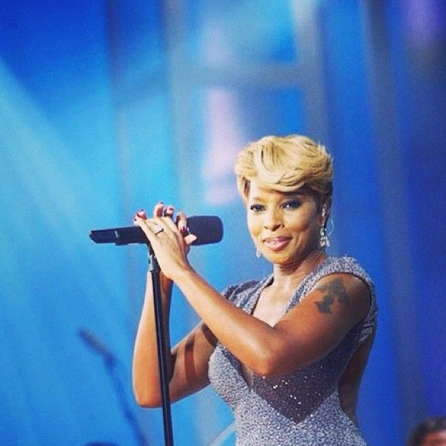 By Photo Congress || Youtube U2 And Mary J Blige One