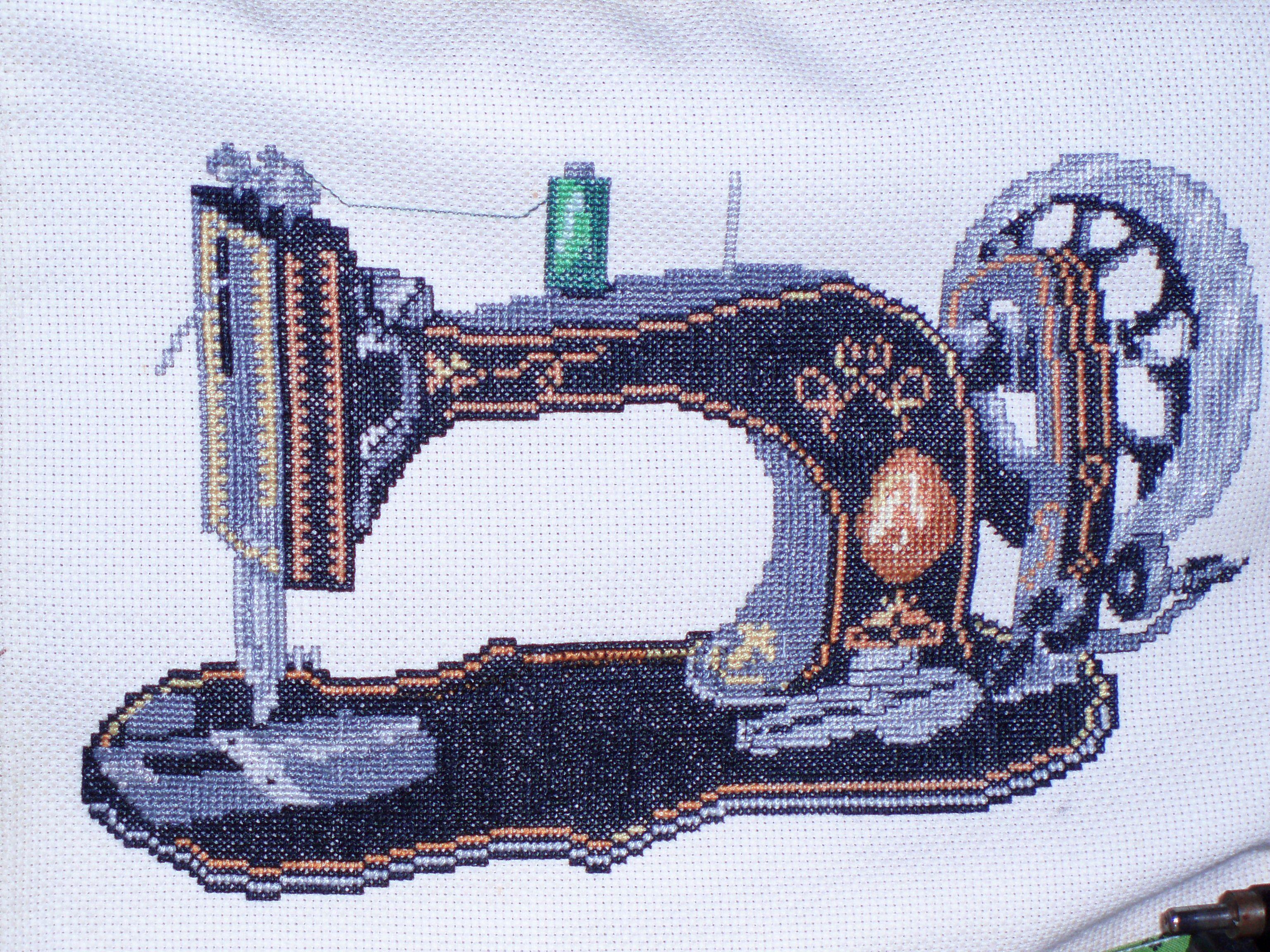 máquina de coser antigua en punto de cruz (With images