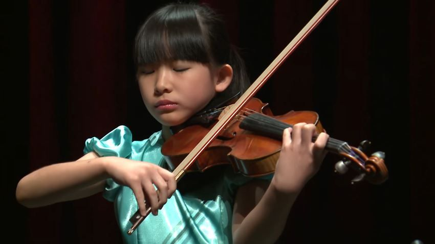 Chloe Chua Plays Johann Sebastian Bach Henryk Wieniawski Johan Svendsen Menuhin Competition 2018 Junior First Ro Violinists Sebastian Bach Violin Student