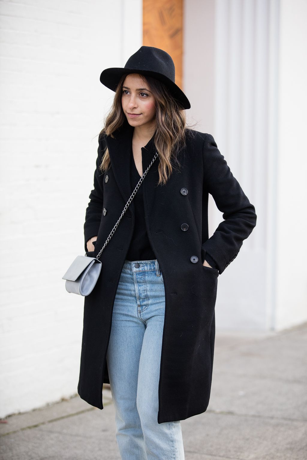 randa salloum, black coat, black peacoat, winter hat, winter jacket, winter fashion, fall fashion, fashion blogger, street style, style blogger, brunette, long hair, boyfriend jeans,