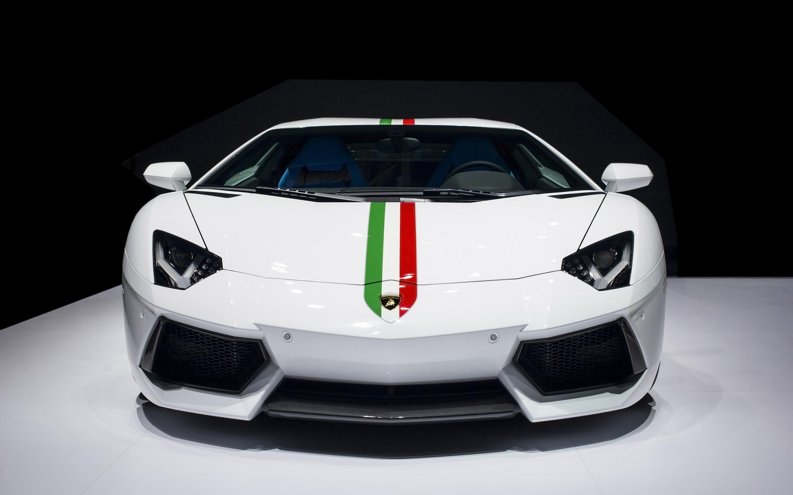 Lamborghini Aventador Lp700 4 Coupe Ad Personam White Green