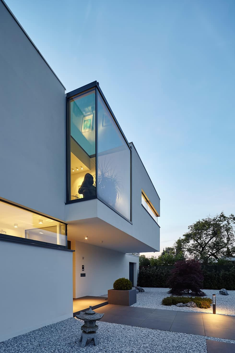 Villa s h user von lioba schneider architectural for Bauhausstil innenarchitektur