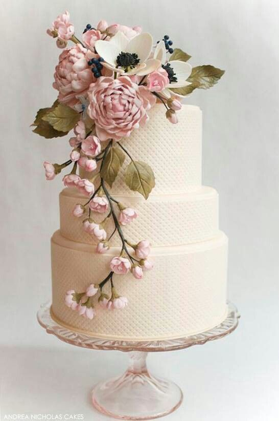 The Flowers Really Work For A Vintage Theme I Appreciate Simple Design On Wedding CakesVintage
