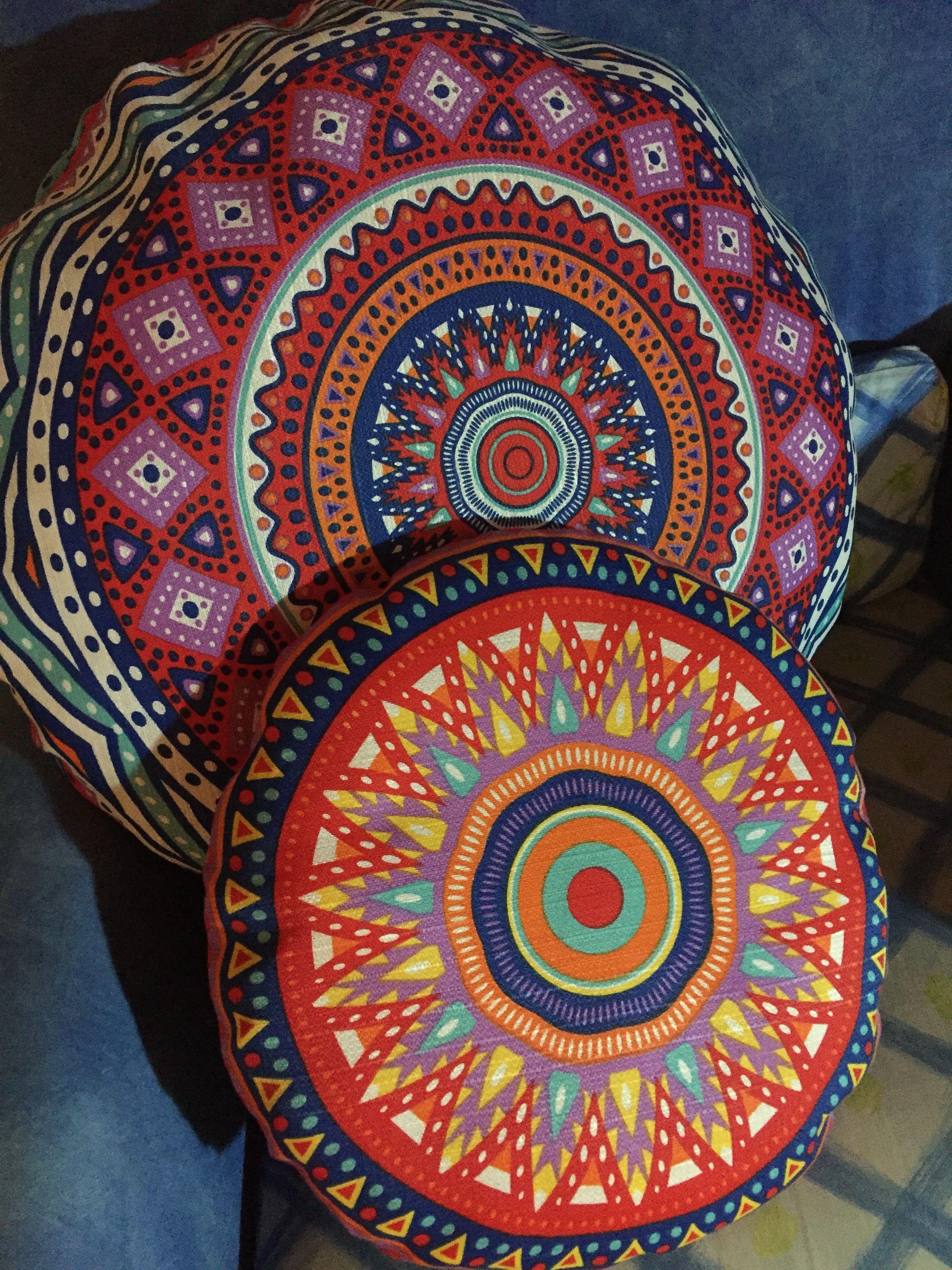 Conjunto cojines colores de dos tamaños