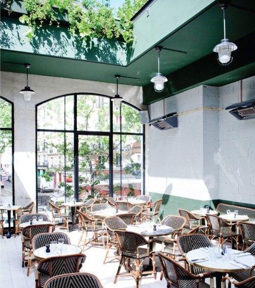 Top 10 Des Terrasses D Hiver A Paris L Officiel De La Mode Brasserie Barbes Design Interieur De Cafe Terrasse Paris