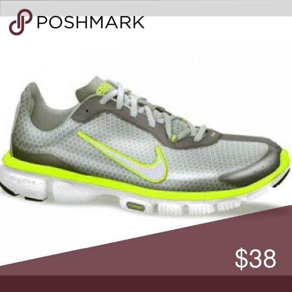 Women's NIKE ZOOM Sneakers size 7 Nike Zoom sneakers well