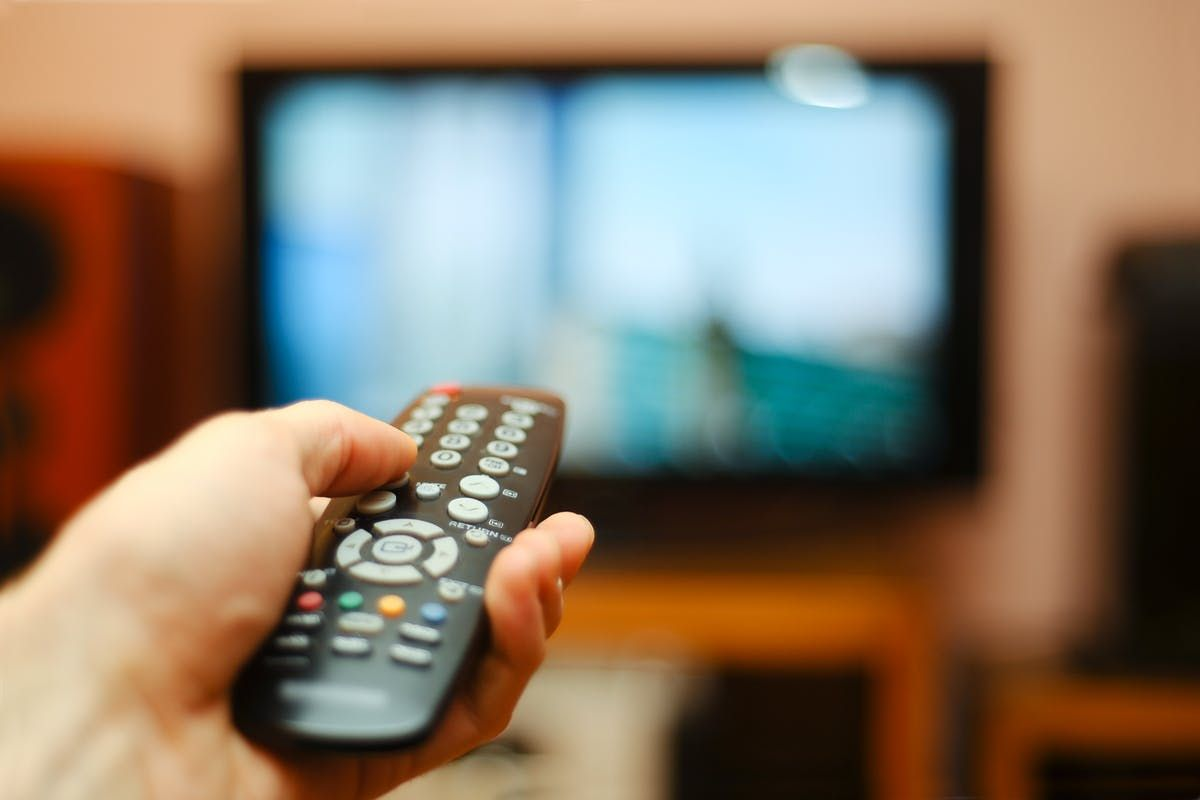 Here's how dumping cable TV and opting for alternatives can save you money and bring you more programming in the new year.