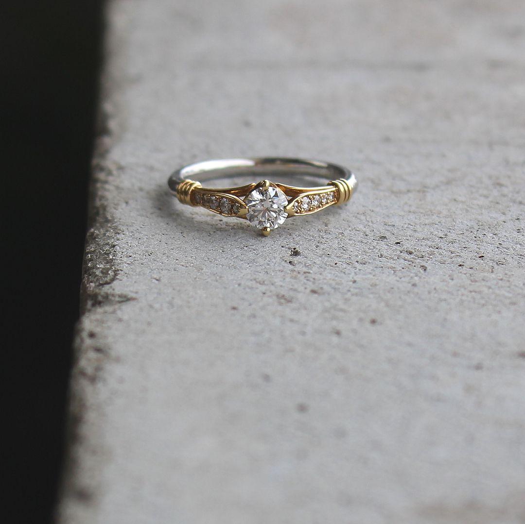 詰 指輪 白