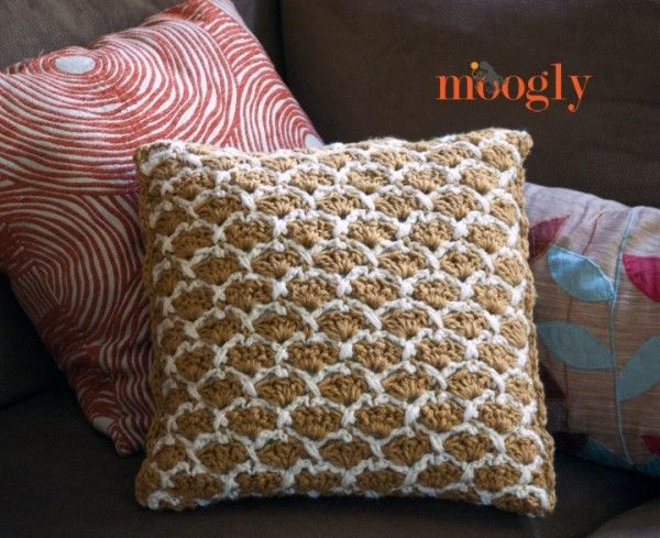 Sunshine Lattice Pillow free #crochet pattern from Moogly