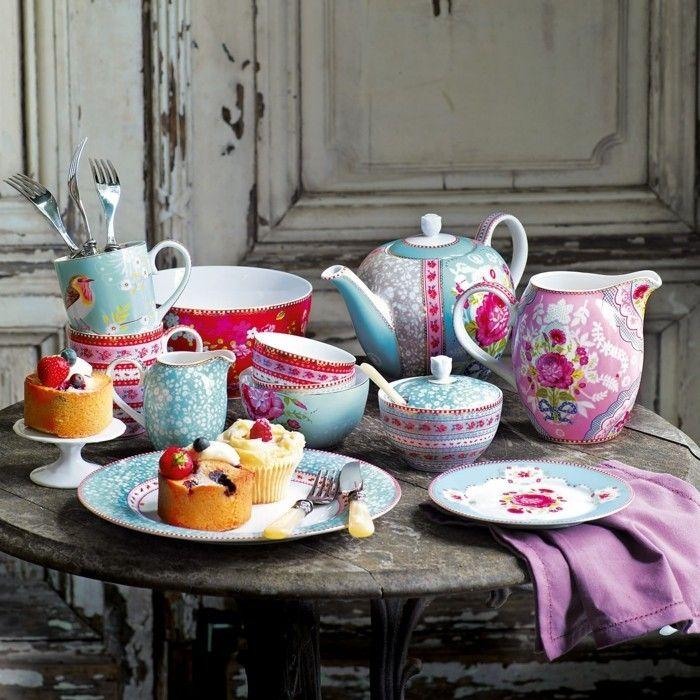 Porzellan Geschirr Bunte Teller Kaffeetassen Teekanne John Lewis