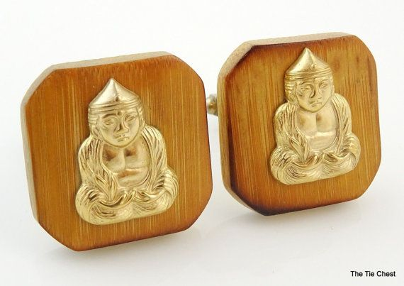 Nice wooden pair of cufflinks! Vintage Wooden Cufflinks of a Praying Buddha on a Wood background | The Tie Chest