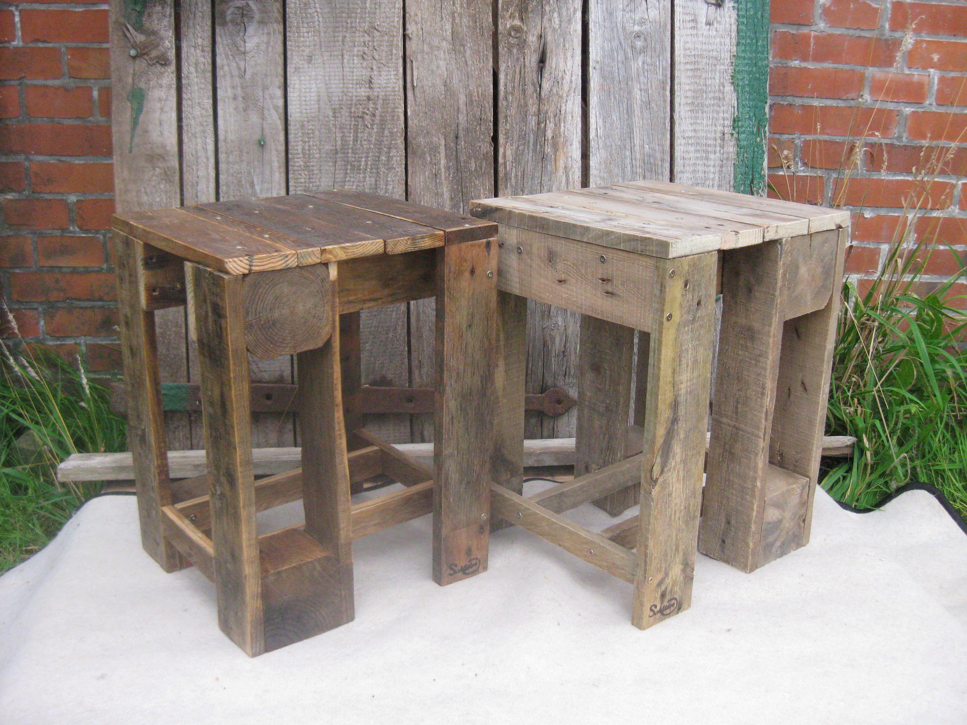 Hocker selbst gebaut aus Palettenholz einer Einwegpalette