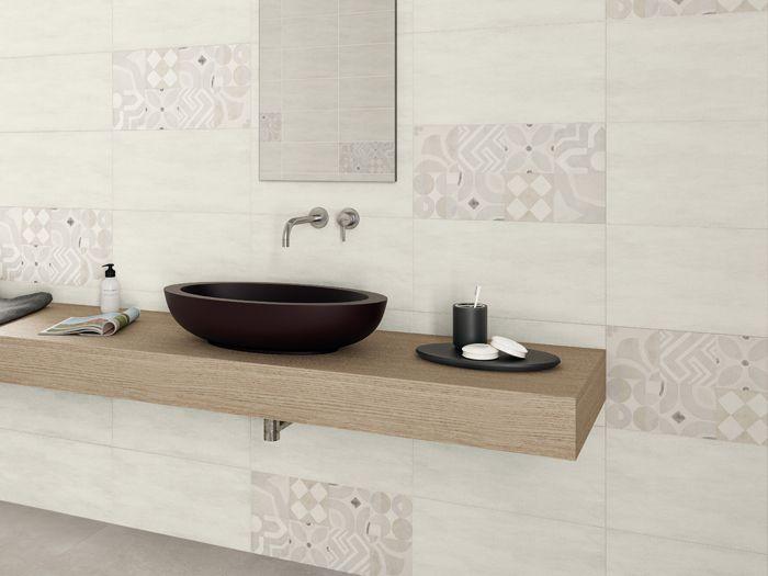 Inspiratie beigekleurige betonlook en patroontegels in moderne