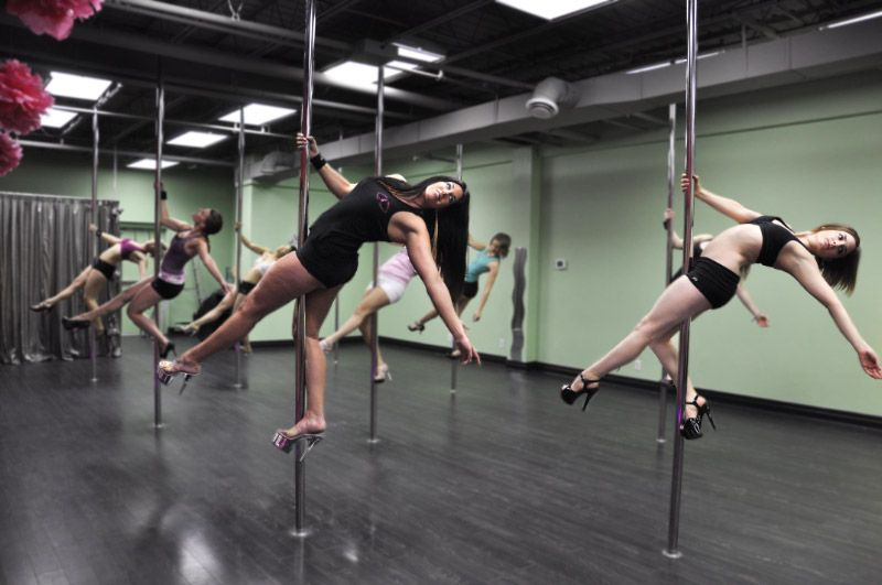 I took a pole dance class (and I liked it) | Fit and ...