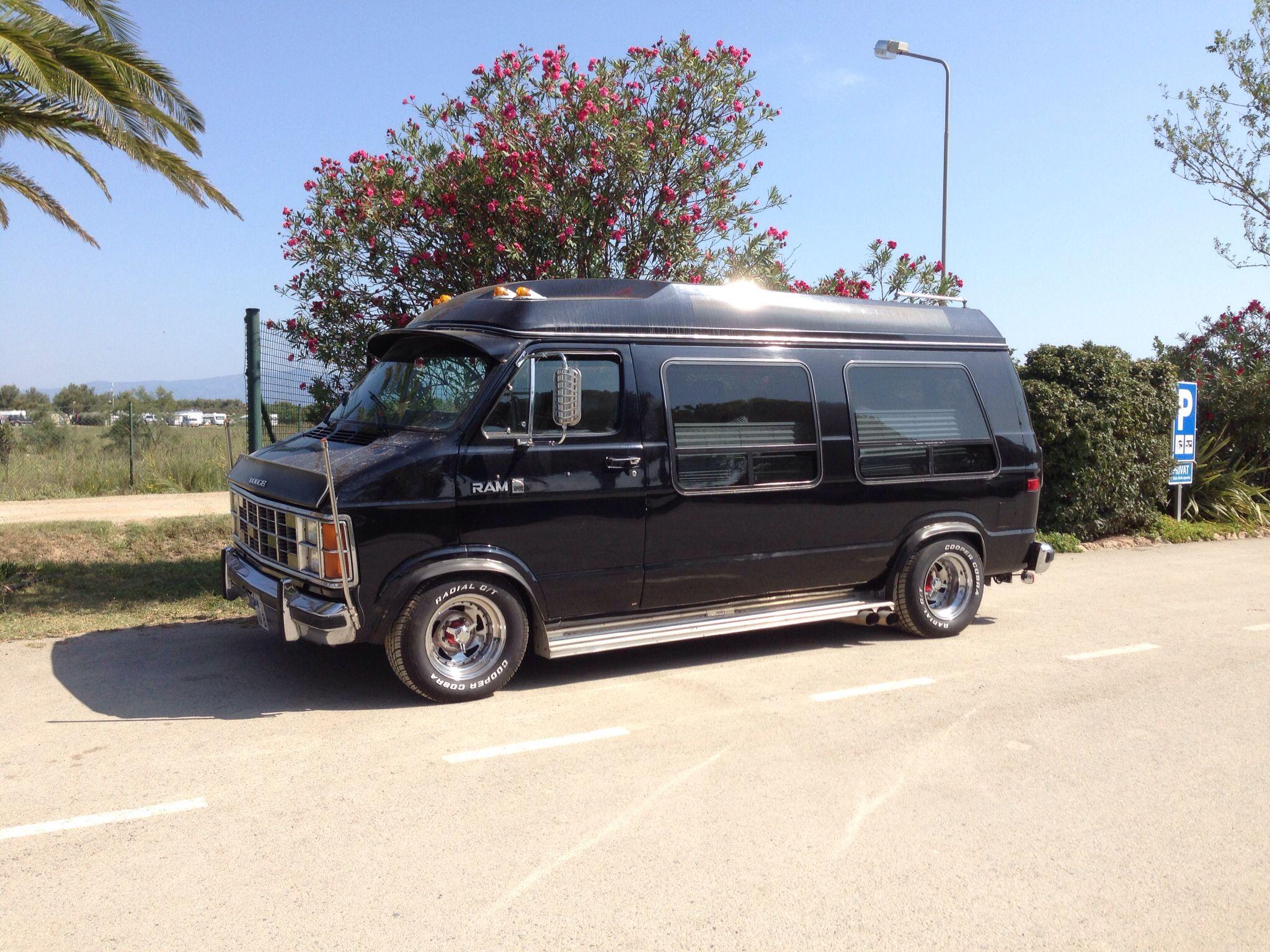 Custom Dodge B250 Chevy Van Old School Vans Dodge Van