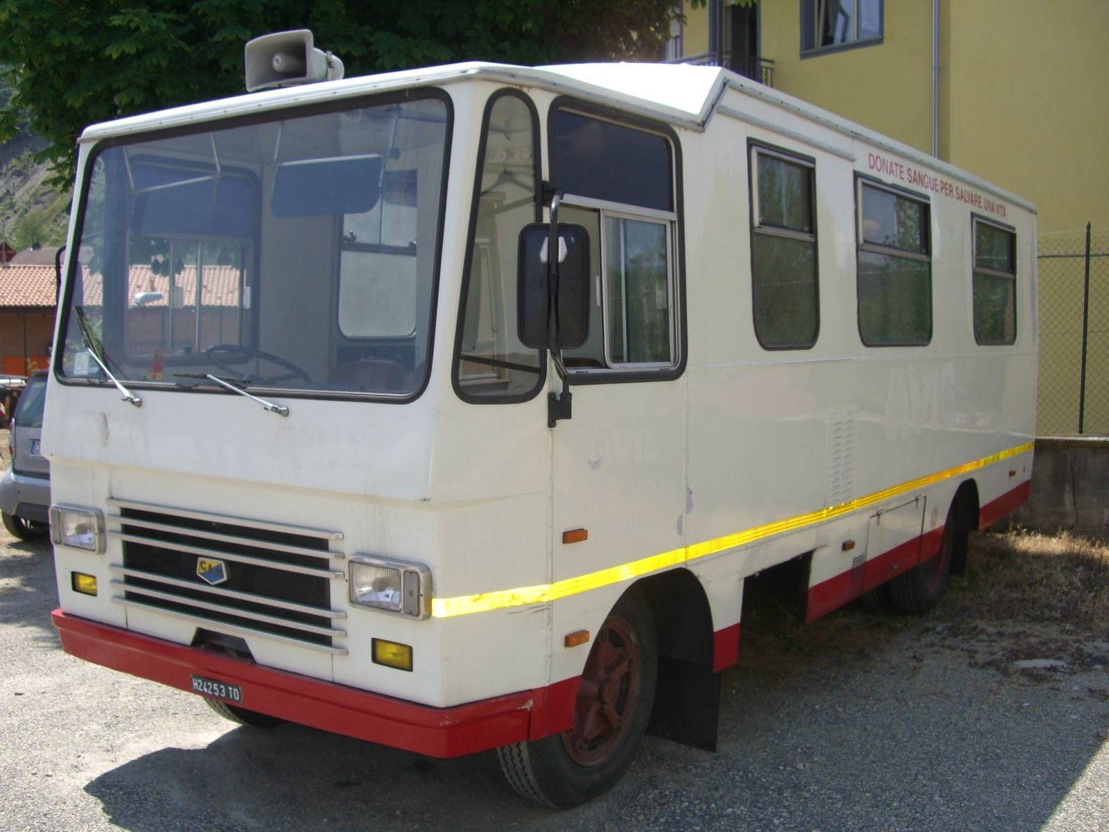 OM TIGROTTO CLASSIC ITALIAN MOTORHOME RACE SUPPORT VEHICLE