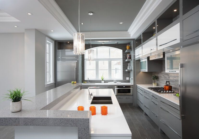 Here S A Modern Galley Kitchen With Narrow Breakfast Bar On One Side
