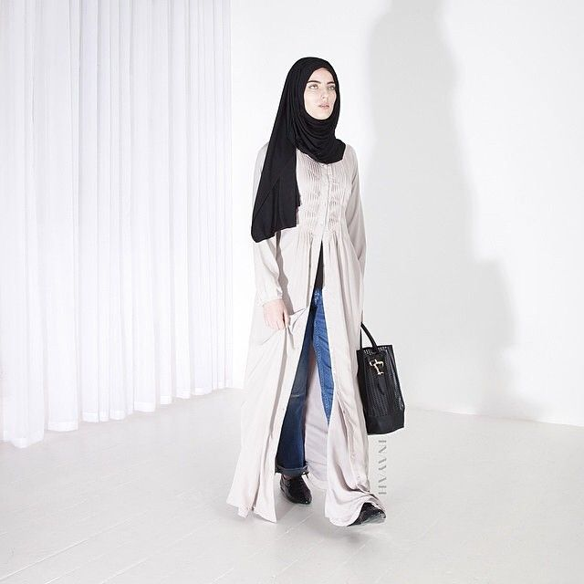 INAYAH | Oyster Open Front Abaya | Style with the Black Knitted Hijab | #abaya #Hijab #black #oyster #dress #dresses #islamicfashion www.inayahcollection.com #modestfashion #modesty #modeststreestfashion #hijabfashion #modeststreetstyle #modestabayas #modestdresses #ootd #springfashion #openfrontabayas #