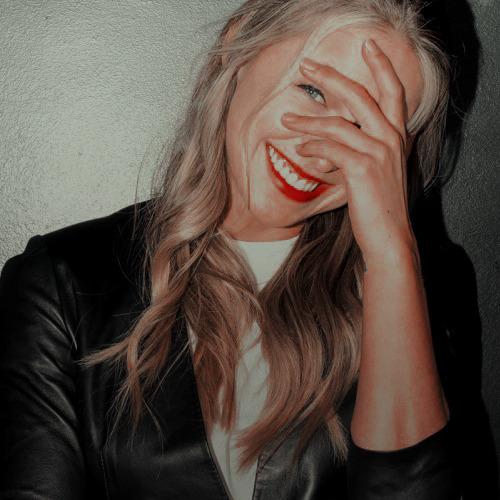 Melissa Benoist Icons Tumblr In 2019 Melissa Benoist