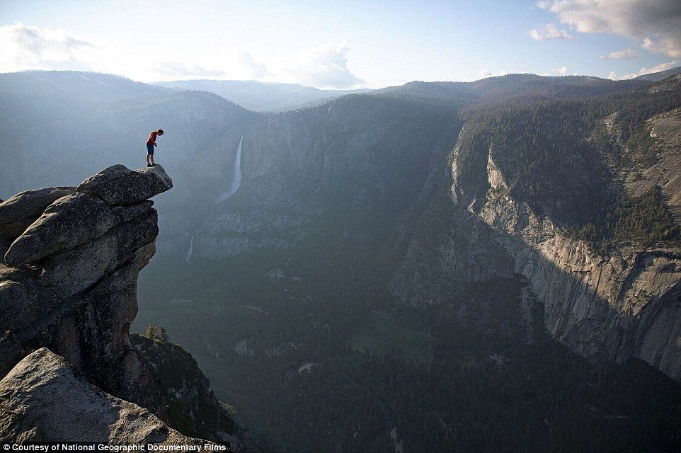 Man Climbed 3 000ft Sheer Face Of Yosemite S El Capitan With No Rope Film National Geographic Documentaires