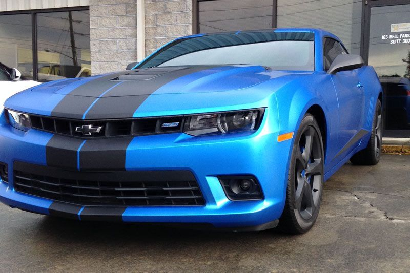 2015 camaro wrapped in 3m satin perfect blue with black