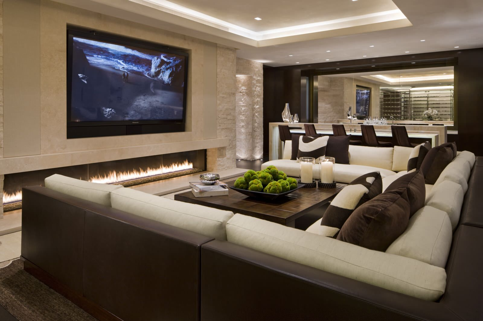 Deckenecke design für zuhause media room with inwall television and fireplace and c shaped couch