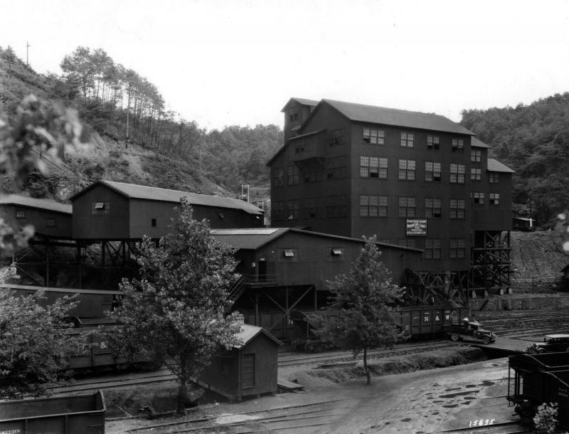 West Virginia Coal Companies Title American Coal Co Mccomas West Virg Subject Railroad Coal Mining West Virginia History West Virginia Travel West Virginia