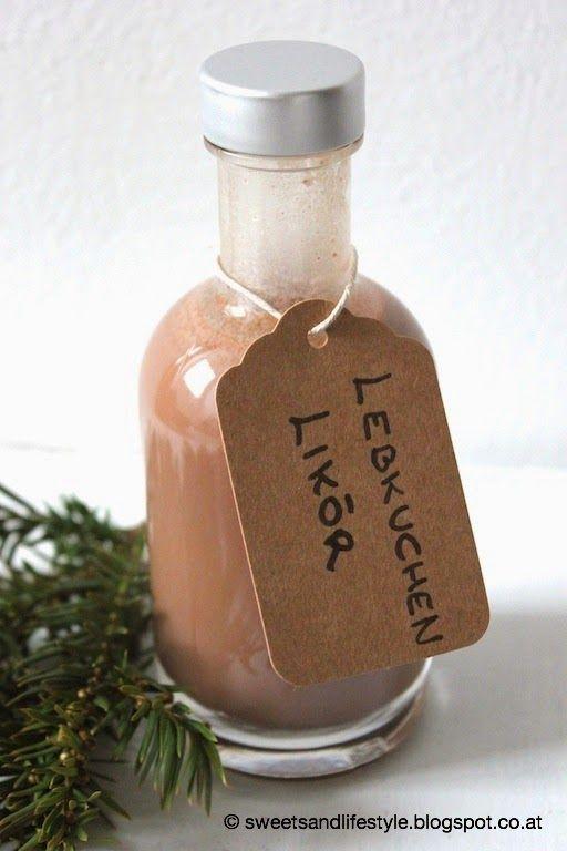 Wie schon in den Vorjahren werde ich heuer wieder selbst gemachte Liköre zu Weihnachten verschenken. Heuer wird bei mir ein Bratapfellikör und ein Lebkuchenlikör unter dem Christbaum liegen.Aber auc
