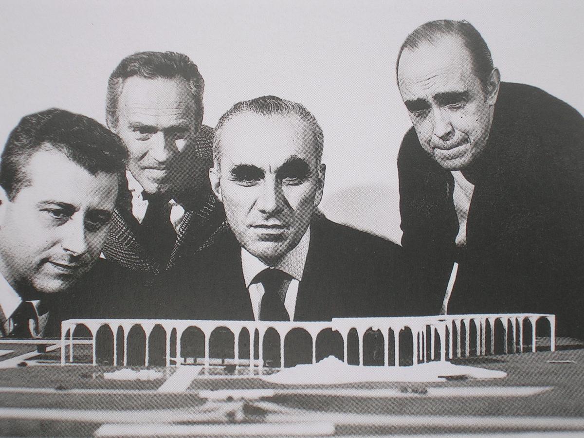 Giorgio Calanca Luciano Pozzo Giorgio Mondadori E Oscar Niemeyer  # Muebles Luciano