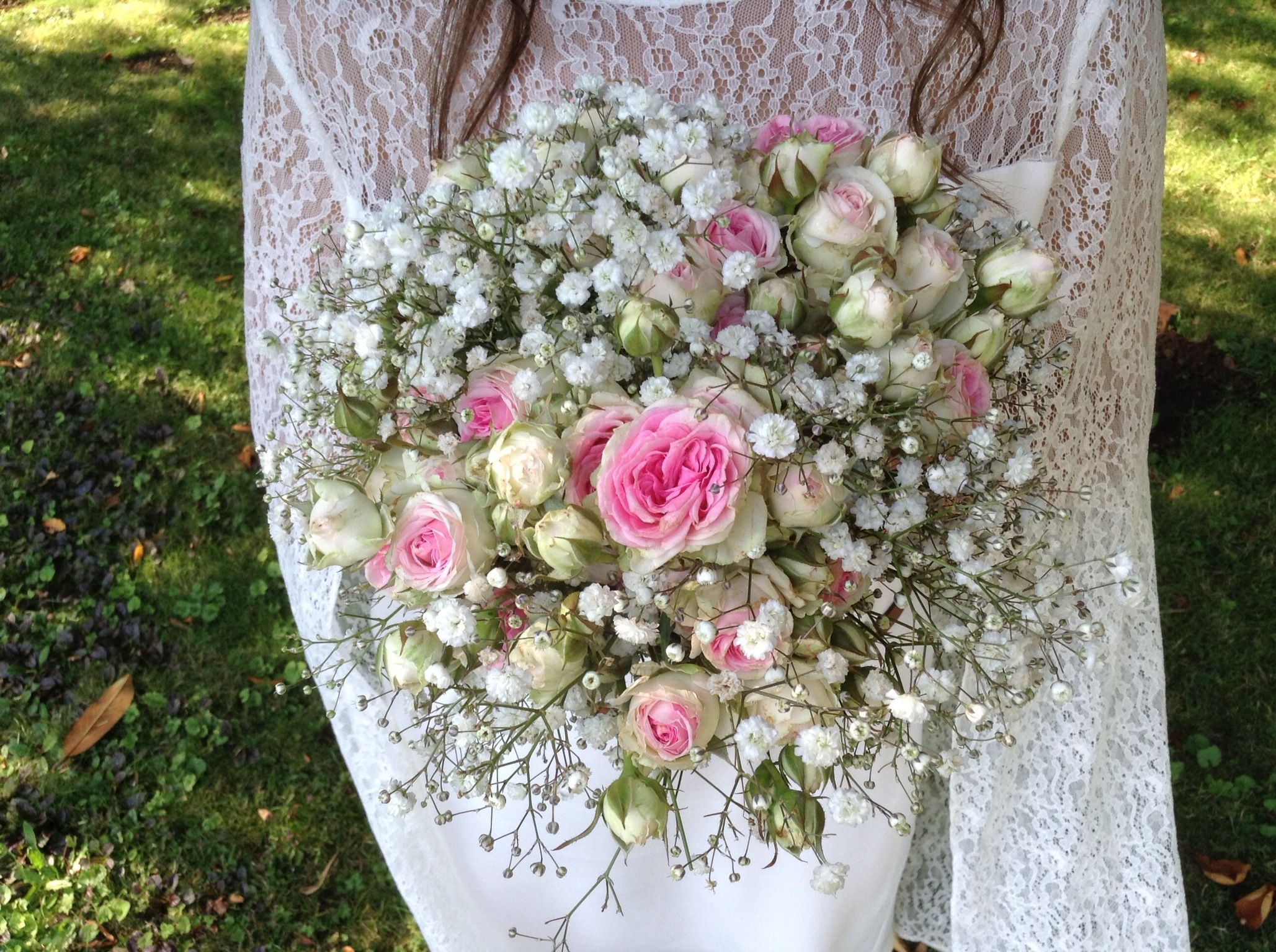 bouquet gypsophile et petites roses branchues rustic wedding flowers pinterest gypsophile. Black Bedroom Furniture Sets. Home Design Ideas