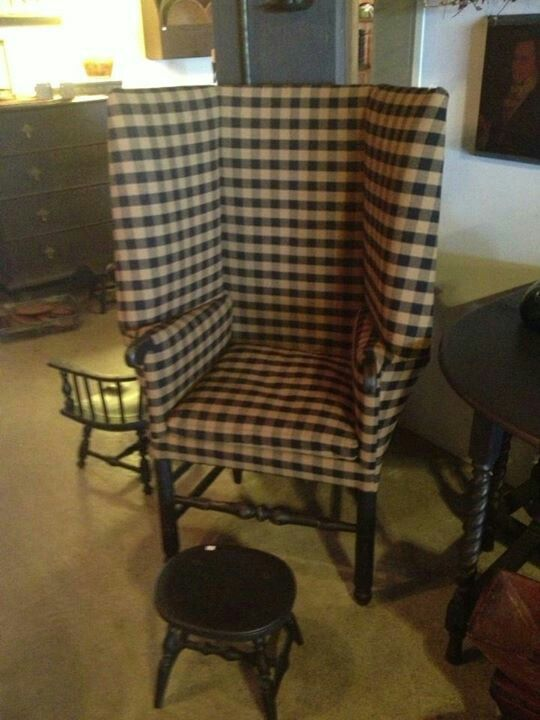 Woosdstock Make-do-Chair~in Black and tan~a must in every Prim home.