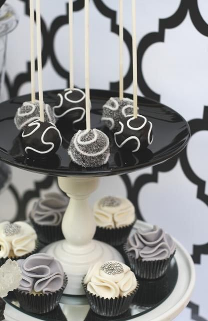 Couture Cupcakes & Cookies: Cupcakes
